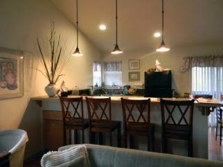 Sandy Glove Cottage Exclusive Vacation Getaway - Fort Bragg vacation rentals