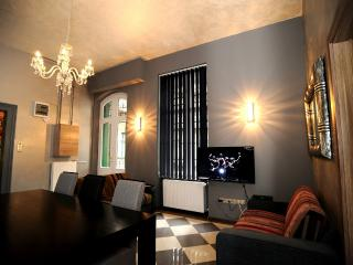 Budapest Pearl Grand 4 BR Apartment in the very Centre of the City - Budapest vacation rentals