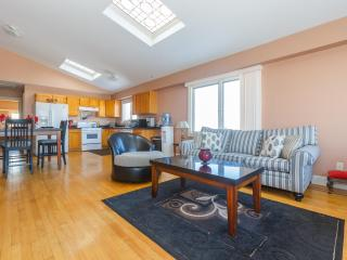 Stylish Apartment Near Times Square - North Bergen vacation rentals