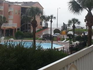 Wonderful 1st Flr Condo w/Amazing Gulf & Pool View - Galveston vacation rentals