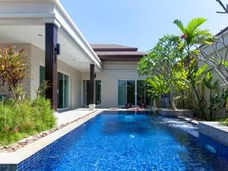 Luxury 3 Bedroom Private Pool Villa in Rawai - Phuket vacation rentals