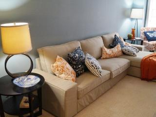 Updated 2 BR Condo in Downtown Wilmington DE - Wilmington vacation rentals