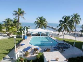 A6: Beachfront with verandas, pool, bikes & kayaks - San Pedro vacation rentals