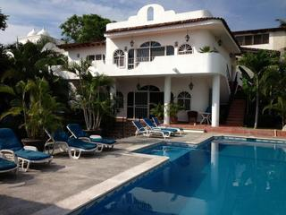 Amazing Two Bedroom Villa (B) 2 Blocks From Beach - Image 1 - Bucerias - rentals