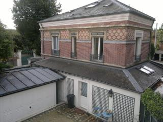 beautiful house Paris suburbs - Montfort-l'Amaury vacation rentals