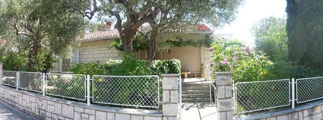 House Entrance - Apartment house Villa Dora, Orebić, Croatia - Orebic - rentals