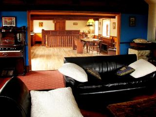 Beautiful Welsh Barn Conversion in Mid-Wales - Welshpool vacation rentals