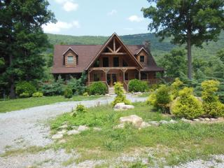 Half Moon: Spring get-away? 2 nights for $600! - Lookout Mountain vacation rentals