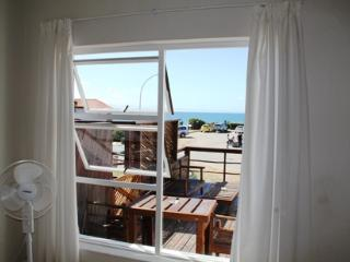 Bungalow - Dolphin Apartment -  walk to the beach - Jeffreys Bay vacation rentals