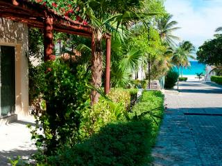 Spacious Beach Studio Xaguar #12 - Playa del Carmen vacation rentals