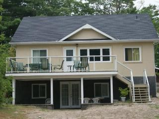 4 Bedroom Vacation Home in Wasaga Beach - Wasaga Beach vacation rentals