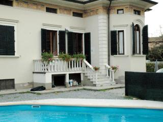 Villa with heated pool near Lucca sleeps 8 +1 kid - Valdottavo vacation rentals