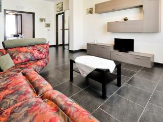 Trendy and spacious flat in the heart of Alghero - Alghero vacation rentals