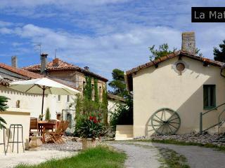 Domaine de la Matte - Vine Entire Cottage 2/6 at La Matte - Carcassonne vacation rentals