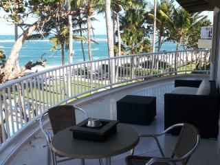 WIDEST balcony 37' (12 m) on Windy Kitebeach - Cabarete vacation rentals