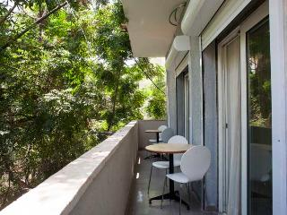 Amazing 1br apartment with balcony hayarkon St. - Tel Aviv vacation rentals