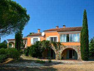 Great Villa with Huge Pool, Sleeps up to 14 People - Gassin vacation rentals