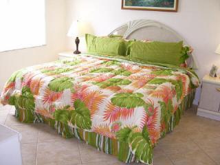 2 bedroom Condo with Internet Access in Venice - Venice vacation rentals