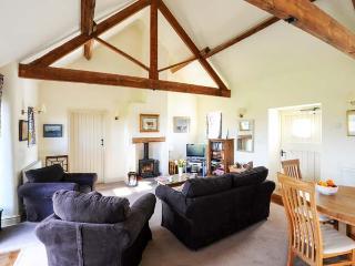 POTTS COTTAGE, part of the Chatsworth Estate, pet-friendly, woodburner in Shottle Ref 9207 - Shottle vacation rentals