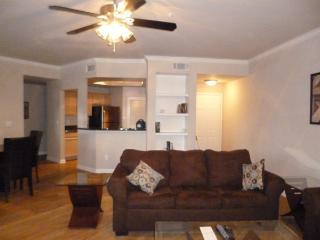 Wonderful Apartment in Uptown1UT3530114 - Dallas vacation rentals