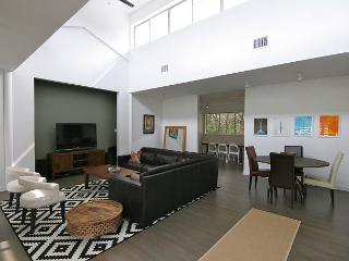 Stratford Woods - 5BR/5BA - West Central Austin with Pool! - Near Downtown - Austin vacation rentals