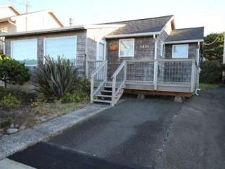189 RUSSELL'S ROOST - Ocean View Cottage Near Beach and Casino - Lincoln City vacation rentals