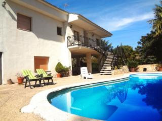 Five-bedroom hideway in Comabella for 10 guests, with a private pool and invigorating mountain views - Sant Llorenc Savall vacation rentals