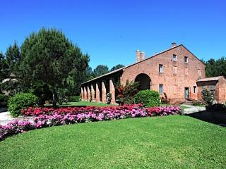 Villa Tenuta Castel Venezze near Venice - San Martino di Venezze vacation rentals