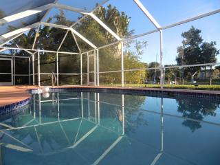 Villa SUNRISE canal home with pool - Cape Coral - Cape Coral vacation rentals