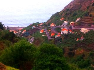 House for rent in Madeira island; the best climate of the Atlantic - Arco da Calheta vacation rentals