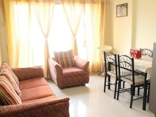 1 Bedroom Exclusive Apartment in Mumbai - Mumbai (Bombay) vacation rentals