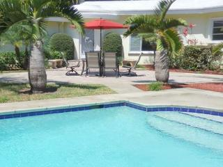 Stately Van Buren Hollywood Sanctuary 3/2 for 10 guests Heated Pool - Hollywood vacation rentals