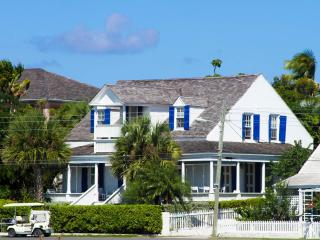 Charming Cottage in Harbour Island with Deck, sleeps 7 - Harbour Island vacation rentals
