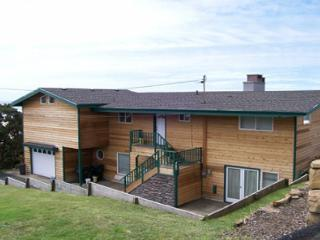 Roads End Beachfront with Hot Tub - Lincoln City vacation rentals