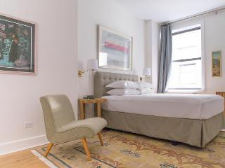 Lombard Lookout - New York City vacation rentals
