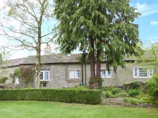 THE OLD COACH HOUSE, semi-detached, all ground floor, open fire, parking, garden, in Appletreewick, Ref 20324 - Skipton vacation rentals