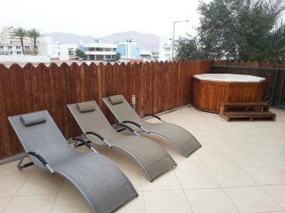 3-room apartment with jakkuzi at the garden - Eilat vacation rentals