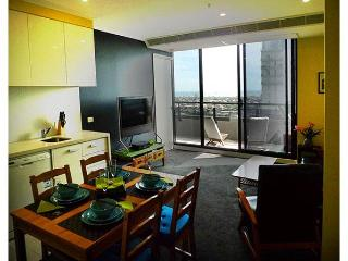 1 bedroom Apartment with Internet Access in Melbourne - Melbourne vacation rentals