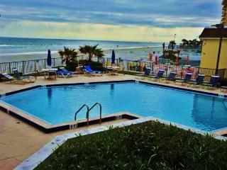 Your Model Oceanside Vacationers Dream. - Daytona Beach vacation rentals