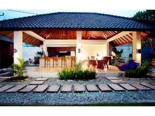 Moon Rocks Villa  stroll to beach cafes & waves - Image 1 - Canggu - rentals