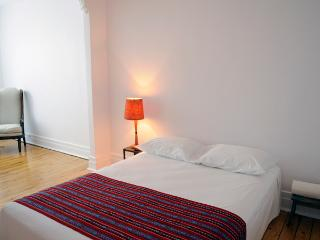 ►Family heaven, central and quiet. 3 years of happy guests! - Montreal vacation rentals