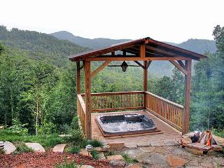 VALENTINES WEEKEND AVAILABLE!!!!  VIEWS, HOT TUB, KING MASTER. SNOW!!!!!! 4/4 - Burnsville vacation rentals