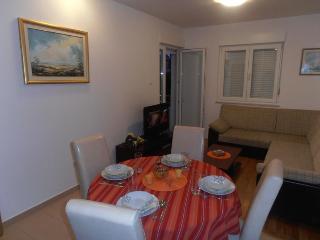 Apartment Gloria-Podstrana - Podstrana vacation rentals