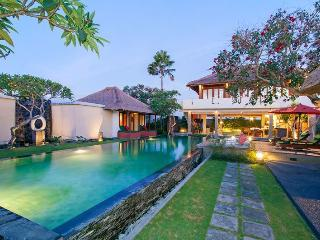 LUXURY PRIVATE FAMILY RETREAT POOL VILLAS 1-3 BRS - Canggu vacation rentals