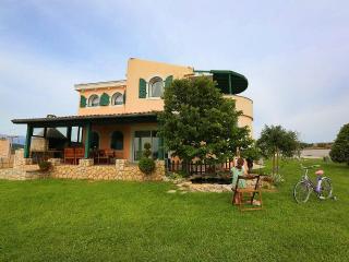 Villa diCastello 4 - Razanac vacation rentals