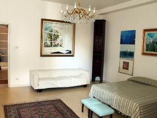 127 Trapani - Palazzo Mokarta - Appartamento - Trapani vacation rentals