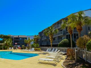 Relax in a 3BR near the beach w/pool! Pelicans Landing PL125! - Myrtle Beach vacation rentals
