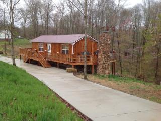 Perfect Cabin with Deck and A/C - Lynchburg vacation rentals