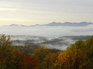 Stunning Mountain Views, 3 Decks, TV, Free Wi-fi - Asheville vacation rentals