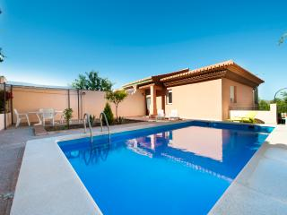 Chalet with private pool - Up to 8 guests - Padul vacation rentals